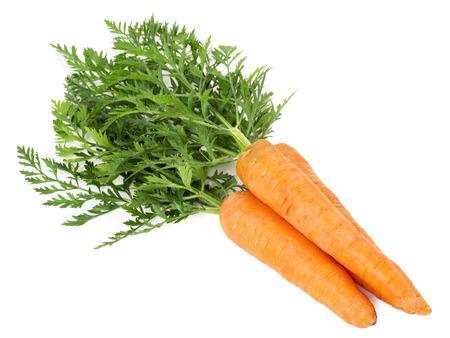 marchewka: marchew samodzielnie na białym tle.