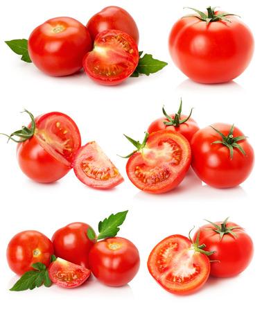 ensalada de tomate: colección de tomates aislados en el fondo blanco.