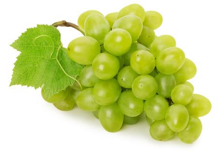 uvas: uva verde aislado en el fondo blanco.
