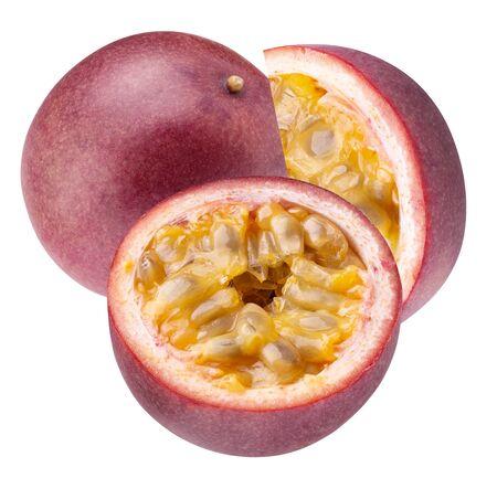 frutas de la pasión aisladas sobre fondo blanco.