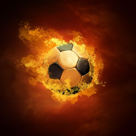 pelota de futbol: Bal�n de f�tbol caliente sobre la velocidad en llamas de incendios  Foto de archivo
