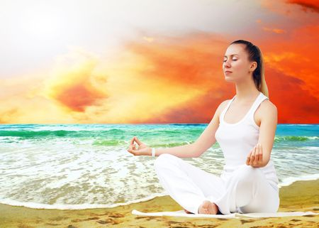 Young beautiful women in white, relaxation on the sunny tropical beach Stock Photo - 7927995