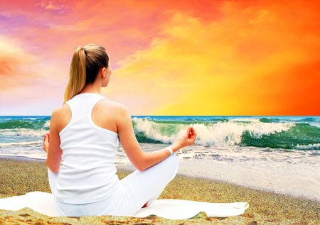 Young beautiful women in white, relaxation on the sunny tropical beach Stock Photo - 7997191