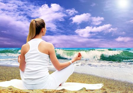 Young beautiful women in white, relaxation on the sunny tropical beach Stock Photo - 7997290