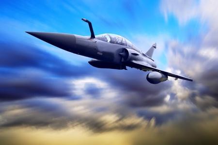 azul marino: Airplan militar sobre la velocidad Foto de archivo