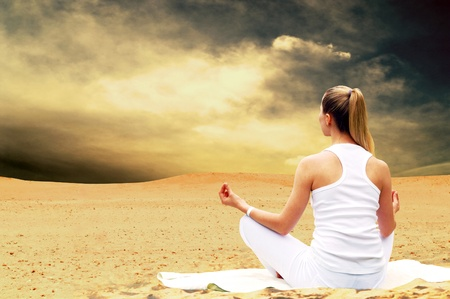 horizon over land: Young beautiful women in white, relaxation at sunny desert