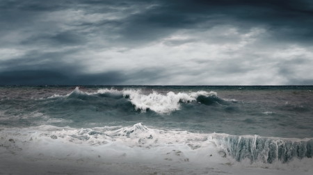 cielo tormenta: Vista del paisaje marino tormenta Foto de archivo