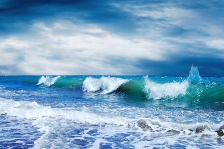 olas de mar: Hermosa vista del paisaje marino