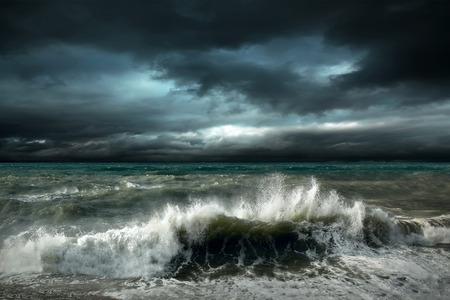 cielo y mar: Vista del paisaje marino tormenta Foto de archivo