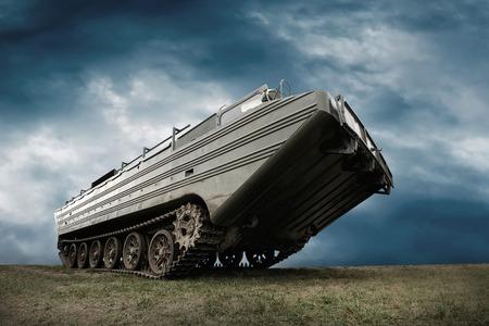tank: Military tank under sky