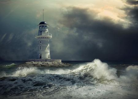 Leuchtturm auf dem Meer unter Himmel. Standard-Bild - 59764268
