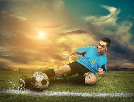 jugadores de fútbol en el campo Foto de archivo