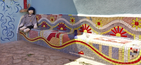 Sailor puppet on a colored mosaic bench at Veli Losinj, Croatia Stok Fotoğraf - 21176453
