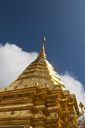 stu: Gold details of temple platform