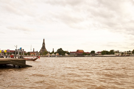 Wat Arun, Bangkok Thailand, Wat Arun is one of Bangkok Stock Photo - 12117126