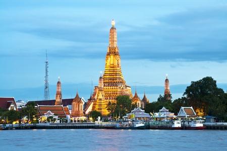 wat arun: Wat Arun, Bangkok Thailand, Wat Arun is one of Bangkok