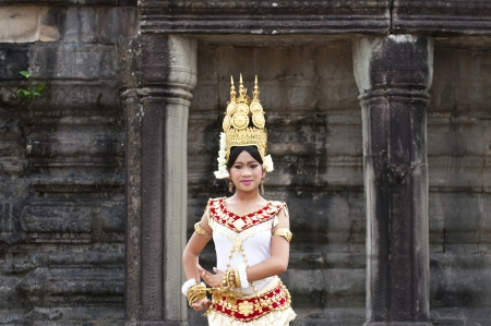 headress: SIEM REAP, CAMBODIA - MARCH 04, 2012: Khmer classical dancer performing in full traditional costume MARCH 28, 2012 in Siem Reap, Cambodia.Angkor Wat is the most visited place in Cambodia. Editorial