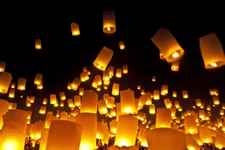 newyears: CHIANGMAI, THAILAND - OCTOBER 29 :Thai people floating lamp. October 29 ,2011 in Tudongkasatarn, Chiangmai, Thailand. Tudongkasatarn is where floating lamp ceremony takes place every year.