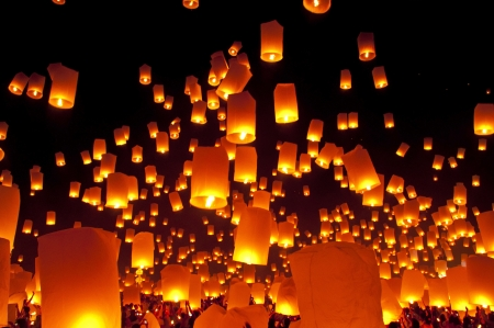 North Of Thailand Happy Newyear Christmas Balloon Yeepeng ...