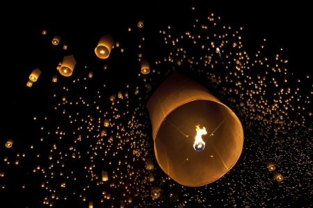 Sky lanterns firework festival,Chiangmai ,Thailand, Loy Krathong and Yi Peng Festival Stock Photo - 16016674