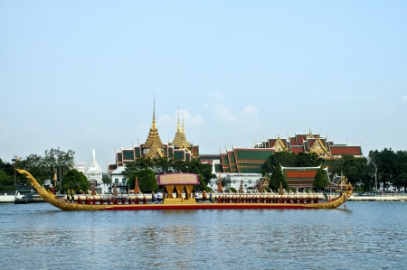 ber: BANGKOK,THAILAND - NOVEMBER 06:The Royal Barge Procession Exercises on the occasion for Royal Kathin ceremony which will take place at Wat Arun Ratchavararam,Novem ber 06,2012 in Bangkok,Thailand.