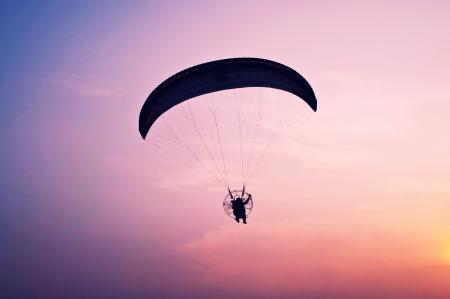 para motor glider on sky photo