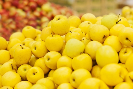 yellow apple on the shelf in the supermarket Stock Photo - 18914947