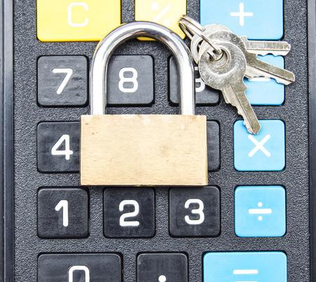 Lock and lock calculator