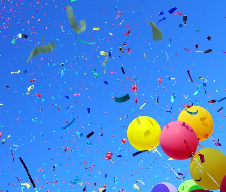 carnaval: veelkleurige ballonnen en confetti in de stad festival # 3 Stockfoto