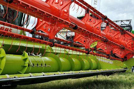 Czerkasy, Ukraina - 18 maja 2018: Nowoczesne maszyny rolnicze wystawiane na wystawie rolniczej AGROSHOW w Czerkasach na Ukrainie