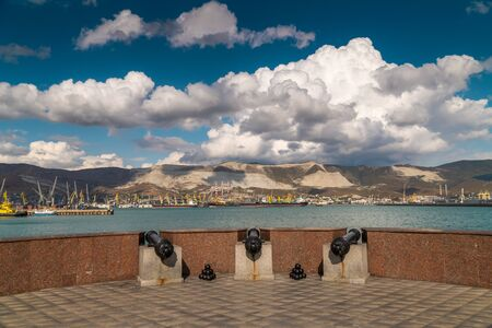 Beautiful landscape views of the embankment and views of Tsemesskaya Bay of Novorossiysk. 스톡 콘텐츠