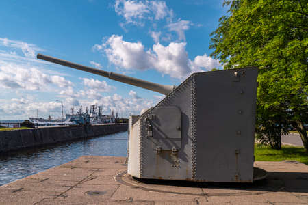 Attraction Gun Tower on the western mooring wall of Ust-Slingshot.