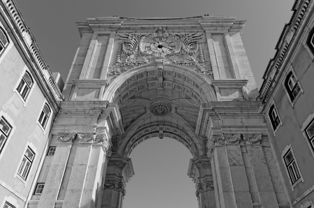 augusta: Lisboa, Portugal - 14 de mayo: Arco de Rua Augusta en Lisboa el 14 de mayo de 2014. El reverso arco de Rua Augusta en Lisboa. Portugal, Europa.