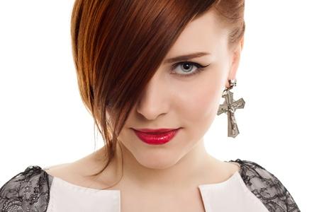 arrogancia: Retrato de mujer bella elegante sobre fondo blanco