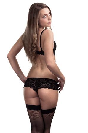 Mujer hermosa y sexy con lencer�a negra