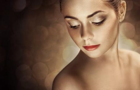 visagist: Beautiful Woman with Bright Makeup Stock Photo