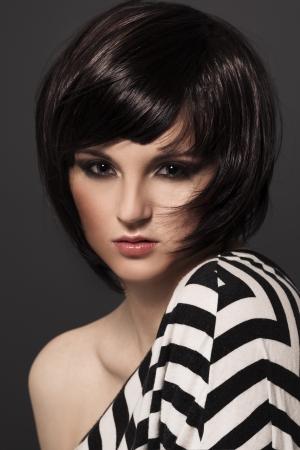 a bob: Hair.Hairstyle Hermosa Girl.Healthy Morena.