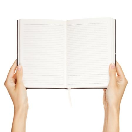 leeres buch: Frau Hand trug ein leeres Buch isoliert auf wei�em Hintergrund
