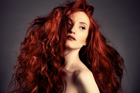 Pelo Rojo. Fashion Girl Portrait photo