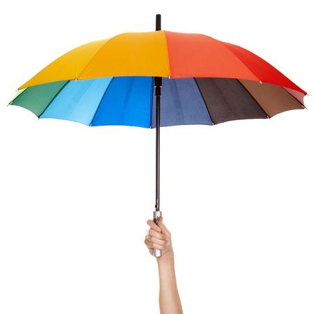 lluvia paraguas: Que sostiene el paraguas multicolor aislado