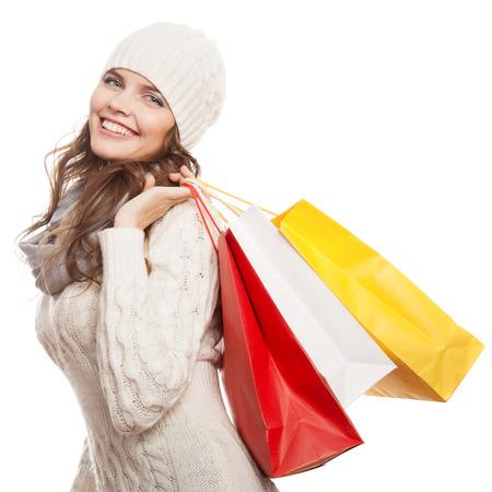가방을 들고 행복 한 여자를 쇼핑. 겨울 판매. 스톡 콘텐츠