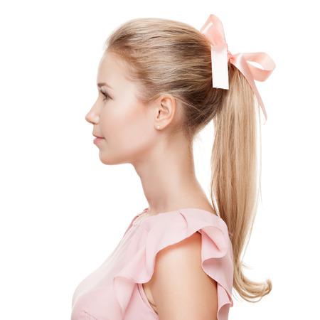 perfil de mujer rostro: Mujer rubia hermosa. Retrato de la moda.