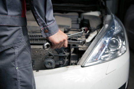 car service: Car mechanic. Auto repair service.