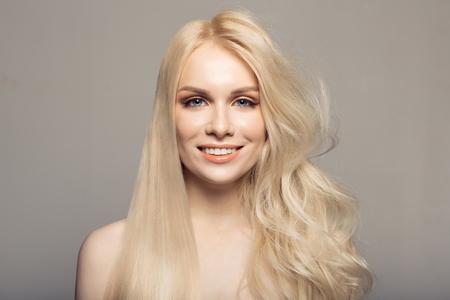 概念のケラチンが髪を矯正します。