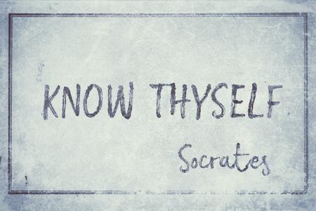 beroemde oude Griekse filosoof citaat op vintage verweerde papier met frame, cyanotype getinte Stockfoto