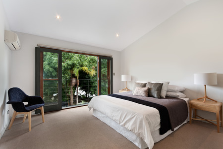 bedrooms: Modern bedroom interior