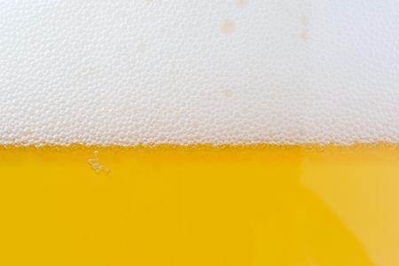 pilsner: burbujas de la cerveza. vaso de cerveza - cerca disparo.  Foto de archivo