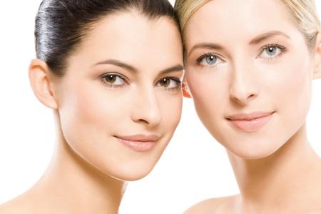 mooie vrouwen: twee jonge mooie vrouwen