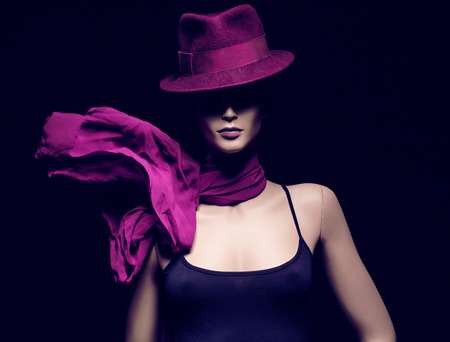 Close-up portret van vrouwelijke mannequin, motion shot Stockfoto