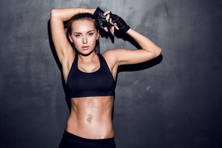 attractive fitness woman, trained female body, lifestyle portrait, caucasian model Banque d'images
